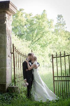 ©Photographer #MagdalenaMartin #MMPhotoart #Paris #romantic #wedding #eiffel #marriage #elopement #eiffeltower #parisphotography #Paris elopement, #Paris elopement, #paris #wedding elopement, #marriage in paris, #photographer in Paris, #wedding in Paris, #Frenchweddings #castlewedding ©Photographer Magdalena Martin