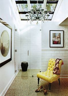 I want this chair in my living room. High Fashion Home, Fashion Room, Interior And Exterior, Interior Design, Interior Styling, Terrazzo Flooring, Contemporary Bathrooms, Mellow Yellow, Mustard Yellow