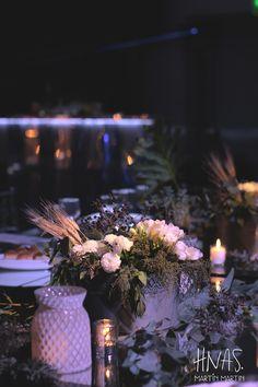 ambientación bar mitzvah, hotel The Brick, chrome, plateado, sillas tiffany cristal
