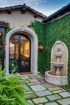 Courtyard Design Ideas for Modern Houses Interior Courtyard Home Design Modern Houses With Interior. The cottage garden courtyard ties the orginal home to the … Courtyard Design, Front Courtyard, Courtyard House, Courtyard Ideas, Spanish Courtyard, Tuscan Courtyard, Spanish Garden, Tuscan Garden, Tuscan House