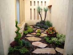 52 Fresh Front Yard and Backyard Landscaping Ideas for Your Home Indoor Garden, Indoor Plants, Home And Garden, Side Garden, Interior Garden, Front Yard Landscaping, Small Gardens, Garden Projects, Beautiful Gardens