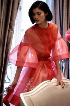 Sui He at Christian Dior haute couture s/s 2012 backstage Coral Colour Palette, Coral Color, Dior Dress, Thing 1, Editorial Fashion, Christian Dior, Fashion Photography, Ruffle Blouse, Sari