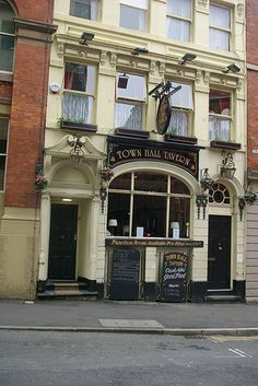 Town Hall Tavern, 20 Tib Lane, Manchester, Lancashire Links What Pub Beer in the Evening Pubs Galore Vintage Children Photos, Manchester Uk, Salford, Derbyshire, Town Hall, Athens, United Kingdom, England, Architecture