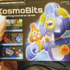 Mit den Kindern lernen wir gerade programmieren und das Dank dem KosmoBits Experimentierkasten aus dem @kosmos_verlag #Werbung weil bald Weihnachten istkönnt Ihr auch einen auf dem Blog gewinnen .#papablog #mamablog #elternblog #technikkids #kosmobits #verlosung  #familienblog
