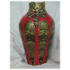 Majestic Golden Curved Vase