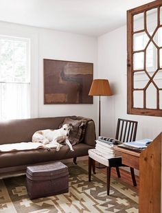 A Simple and Natural Historic Home in Litchfield County – Blue and White Home Living Room Modern, Living Spaces, Living Rooms, Chippendale Chairs, Litchfield County, White Houses, Floor Design, White Decor, Historic Homes
