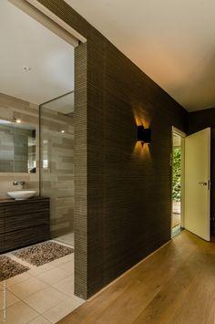 Kleine badkamer douches op pinterest badkamer tegels ontwerpen douche idee n badkamer en - Hoe amenager een kleine badkamer ...