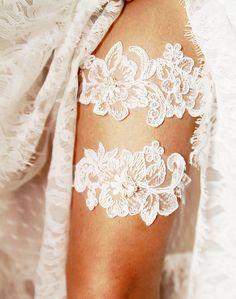 Wedding Garter Set Bridal Garter Belt - Keepsake Garter Toss Garter Included - Ivory Beaded Flower Lace Garter Garters - Vintage Inspired