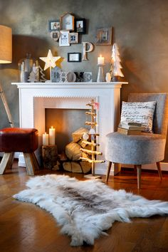 Spectacular The fireplace console itself put together household .- Spectacular Combine the fireplace console yourself Household heroin # household heroin - Fireplace Console, Fireplace Remodel, Diy Fireplace, Fireplace Modern, Faux Fireplace Diy Cardboard, Living Room Decor, Bedroom Decor, Country Fireplace, Christmas Bathroom Decor