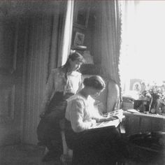 Anastasia and her elder sister Olga in about 1916