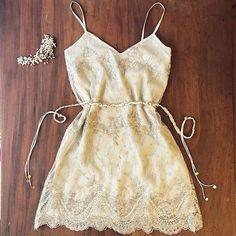 Vestido yin&yang || todo bordado y espalda descubierta☝️>> linda de civil #wedding #dress #yomequierocasar @tocados_novias
