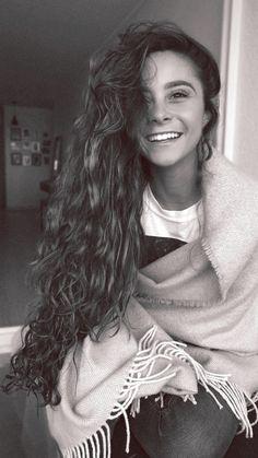 Long Curly Hair, Curly Girl, Curly Hair Styles, Pretty Hairstyles, Girl Hairstyles, Camila Gallardo, Good Hair Day, Beautiful Long Hair, Beach Hair