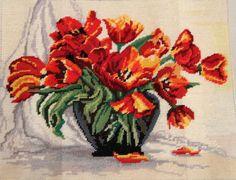 Tulipány-vyšívané s bavlnkami
