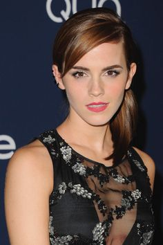 The Beauty Evolution of Emma Watson, from Bare-Faced Hermione to Red-Carpet Queen Emma Watson Fan, Emma Watson Style, Emma Watson Beautiful, Emma Watson Sexiest, Harry Potter Film, Celebrity Beauty, Celebrity Crush, Celebrity Pics, Enma Watson