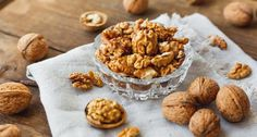 Walnuts are a lovely snack, their taste is just true nut-perfection Nutrition Store, Nutrition Program, Nutrition Guide, Healthy Balanced Diet, Calcium Rich Foods, Tasty, Yummy Food, Calorie Intake, High Protein Recipes