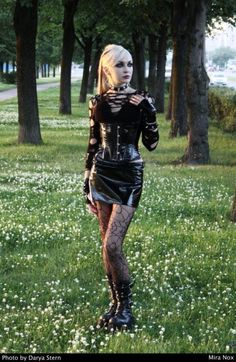 Goth #womensGothicboots #Gothicbeauty