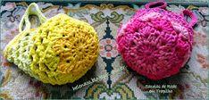 Hoje proponho estas sacolas de rede de crochet com mil e uma utilidades: para carregar compras de supermercado, para ir à feira, para a pra...