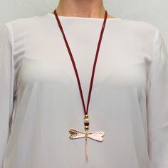 Collar libélula dorada