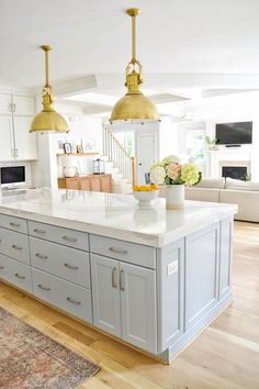 Home Bunch Interior Design Ideas Quartz with a 3 mitered edge Kitchen island countertop is Cambria Brittannica quartz with a 3 mitered edge Kitchen Remodel, Kitchen Decor, Interior Design Kitchen, Island Countertops, Farmhouse Interior, House Interior, Home Kitchens, Farmhouse Interior Design, Kitchen Renovation