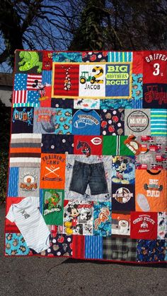 Memorial Quilt, Memorial Blanket, Memorial T-shirt Quilt, Sympathy Quilt, Custom Order by JoansCreativeQuilts on Etsy Baby Memory Quilt, Baby Quilts, Memory Quilts, Baby Clothes Quilt, Baby Memories, Collar Designs, Tshirt Colors, Quilt Patterns, Baby Patterns