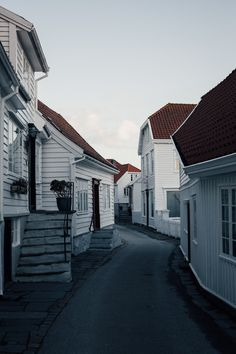 The cute little west coast town Skudeneshavn in Norway by photographer Gunvor Eline Jakobsen