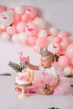 1st Birthday Tutu, Flamingo Birthday, Baby Girl First Birthday, 1st Birthday Outfits, Birthday Parties, Birthday Ideas, Birthday Cake, Flamingo Cake, Flamingo Party