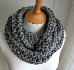 Hand Knitted Things: Circular Scarf Free Pattern