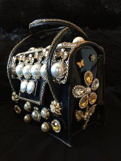 Brittany evening bag Leather Evening Bags, Hue, Patent Leather, Im Not Perfect, Upcycle, Pearls, Brittany, Chains, Rhinestones