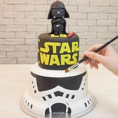 May the 4th be with you | #hangrydiarysweet @my_sweet_art_hk  Star Wars cake   Join our food adventure on Snapchat: hangrydiary Tag your friends who love StarWars