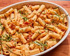 A few simple tips from a recipe developer will make your pasta perfect. Feta Pasta, Pasta Food, Pasta Recipes, Dinner Recipes, Tube Pasta, Food Trends, Food Network Recipes, Popular Recipes, Pasta Dishes