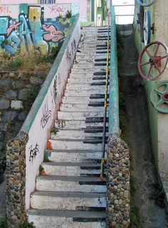 Piano steps at Valparaiso, Chile