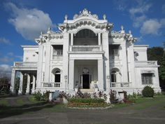 Nelly's Garden Mansion Filipino Architecture, Philippine Architecture, Art And Architecture, Philippine Houses, Colonial Mansion, Philippines Beaches, Second Empire, Tourist Spots, Romanesque