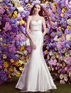 Trumpet/Mermaid Sweetheart Court Train Wedding Dress (Satin)