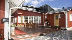 Bed & Breakfast Aaria offers a home style alternative for accommodation near Rovaniemi city center and Ounasvaara Ski Resort in Rovaniemi, Finland. Lapland Finland, Bed And Breakfast, House Styles, City, Home, Cities, Haus, Homes, Houses