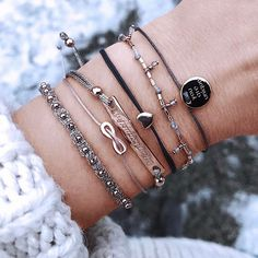Symbols of love ❤️ #love #infinity #youareunique #new1moment Follow the link in bio!