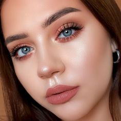 natural makeup for blue eyes & natural makeup ; natural makeup for brown eyes ; natural makeup for black women ; natural makeup looks ; natural makeup for blue eyes ; natural makeup for green eyes Makeup Trends, Makeup Inspo, Makeup Ideas, Makeup Tips, Makeup Inspiration, Makeup Geek, Teen Makeup, Beauty Makeup, Flawless Makeup