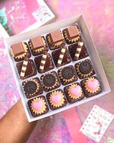 Best Chocolate Brownie Recipe, I Love Chocolate, Chocolate Brownies, Chocolate Lovers, Brownie Recipes, Cupcake Recipes, Dessert Recipes, Gourmet Cupcakes, Brownie Packaging