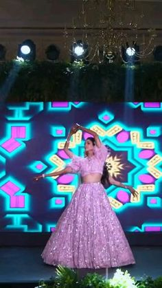 Indian Wedding Songs, Pakistani Wedding Outfits, Bollywood Wedding, Dance Choreography Videos, Dance Videos, Wedding Dance Video, Stylish Dresses For Girls, Dress Indian Style, Sister Wedding