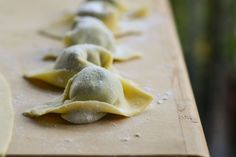 Pansoti are the typical Italian Riviera ravioli we use to eat on Sunday lunch with the family. Pasta Dishes, Food Dishes, Main Dishes, Italian Cooking, Italian Recipes, Ricotta, Walnut Sauce, Homemade Ravioli, Pasta Machine