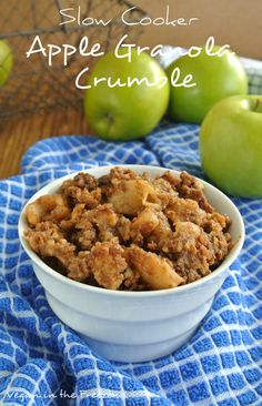 Slow Cooker Apple Granola Crumble Recipe - Vegan in the Freezer. Use gluten free granola and yes! Vegan Crockpot Recipes, Apple Recipes, Slow Cooker Recipes, Cooking Recipes, Aloo Recipes, Healthy Recipes, Milk Recipes, Crockpot Meals, Beef Recipes