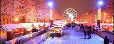 Natuurlijk valt er tijdens de winter ook heel wat te doen in het centrum van de stad. Winterpret animeert het hart van Brussel van december tot de ochtend na de eindejaarsfeesten. Men vindt er een kerstmarkt met meer dan 200 chalets, kermisattracties (reuzenrad, draaimolens), een ijsbaan om te schaatsen en nog veel meer! Het is er zeer gezellig en zeker en vast de moeite waard om er met vrienden naartoe te gaan.