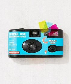 27 Creative, Inexpensive Stocking Stuffers for Everyone on Your List.  Appareil Photo JetableIdée Cadeau ... f1f320dcf8af