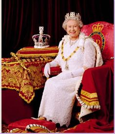Leibovitz photograph with this one of the Queen in her royal robes ...