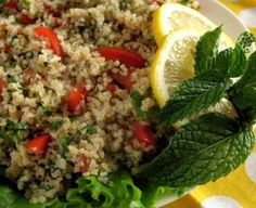 Lecker! Taboulé Salat aus Bulgur mit frischer Minze und Tomaten!