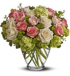 Westford Florist, Westford, MA Flowers, Centerpieces, Spring Mist