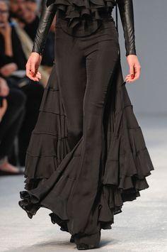 Gareth Pugh - black sexy flamenco dress - I love it!