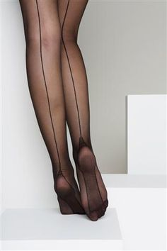 Nostalgic black stockings from the 20ies. By Veritas.