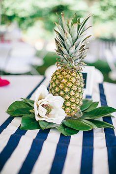 pineapple centerpieces! | Nikki Santerre #wedding