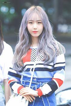 """트위터의 Code Black 님: """"180629 뮤직뱅크 상반기 결산 출근 #신비(#SinB #황은비) Part 1 DASH 하고 싶게 만드는 미모 #여자친구(#GFIREND)… """" South Korean Girls, Korean Girl Groups, Sinb Gfriend, Code Black, G Friend, Kpop Girls, Idol, Female, Profile"""