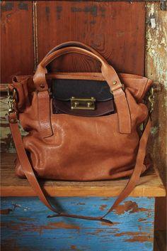 Bolso de piel estilo satchel